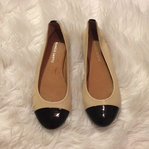 Black pointed toe nude flats nwot